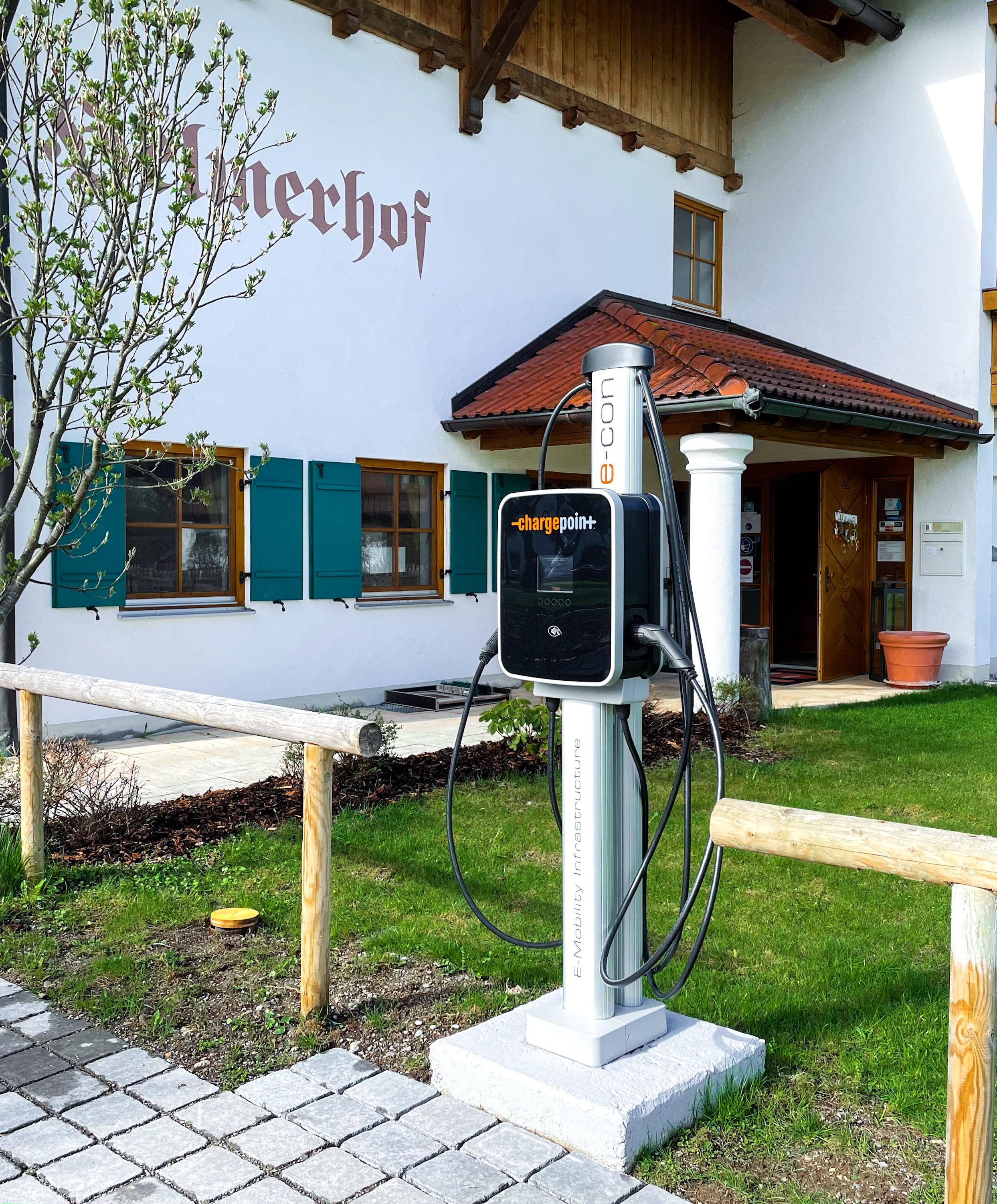 Ladestation für E-Autos am Helmerhof in Schwangau